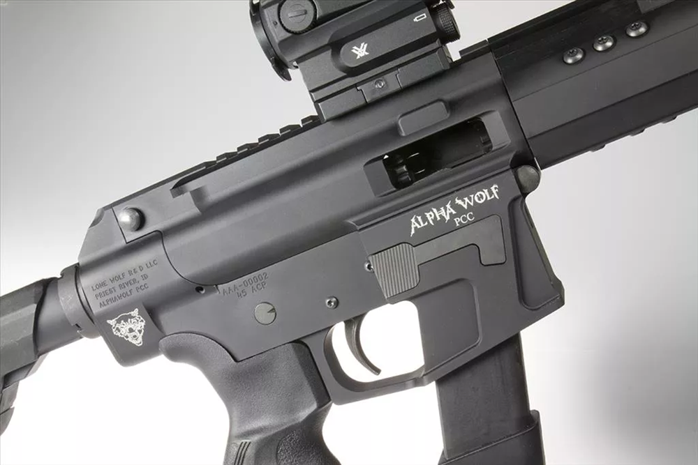 AlphaWolf PCC 45 ejection port side. **Vortex SPARC RDS and KRISS Super V magazine extension NOT INCLUDED**